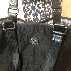 XL Lululemon totally totastic reversible tote bag
